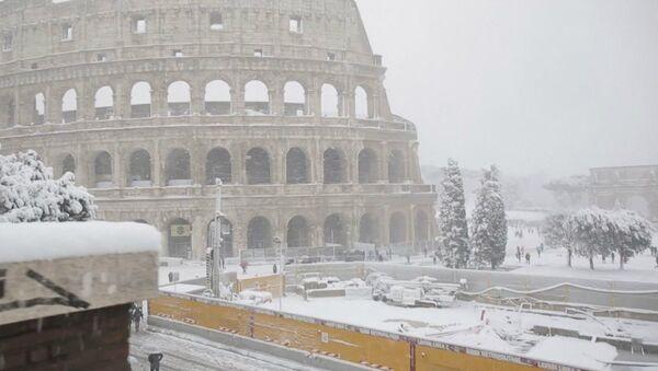 Colosseo sotto la neve - Sputnik Italia