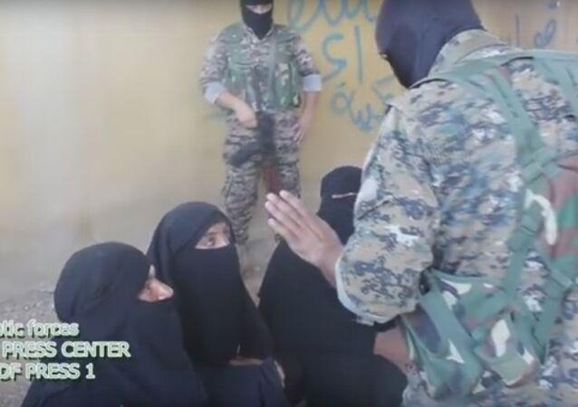 Donne di Daesh
