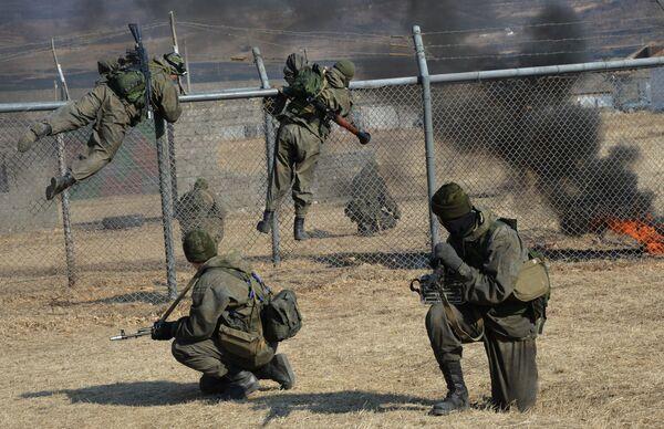 L'addestramento delle forze speciali di spionaggio dell'esercito russo - Sputnik Italia