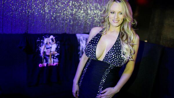 L'attrice pornografica Stormy Daniels - Sputnik Italia