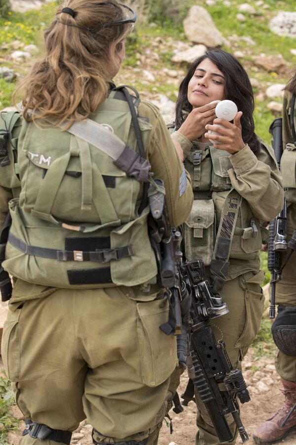 Le donne soldato in Israele. - Sputnik Italia