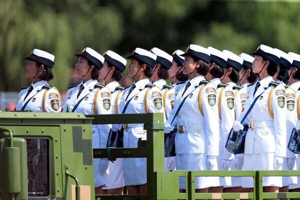 Una grande parata militare a Pechino. - Sputnik Italia