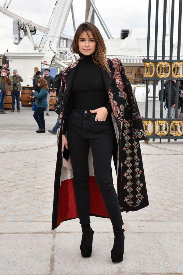 Ex giornalista di Harper's Bazaar Russia, imprenditore, icona della moda russa Miroslava Duma a Parigi. - Sputnik Italia