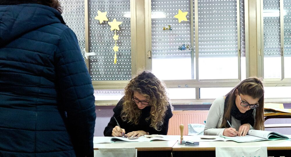 Seggio elettorale in Italia (foto d'archivio)