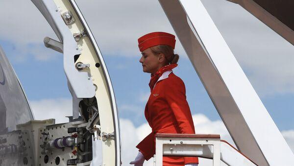 Una hostess Aeroflot - Sputnik Italia