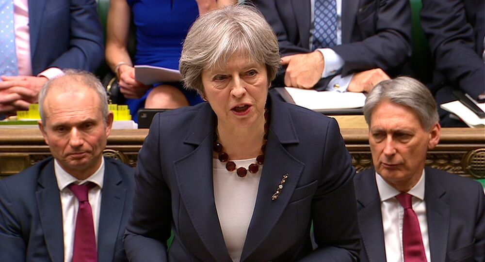 Theresa May interviene al Parlamento (foto d'archivio)