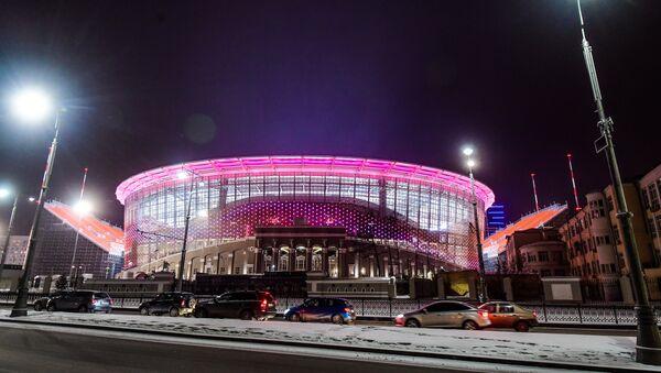 Lo stadio di Ekaterinburg illuminato di sera - Sputnik Italia