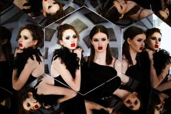 La settimana della moda di Mosca si svolge dall'11 al 15 marzo sulle passerelle del centro Manezh. - Sputnik Italia