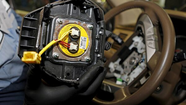 A recalled Takata airbag inflator is shown in Miami, Florida, US on June 25, 2015. - Sputnik Italia