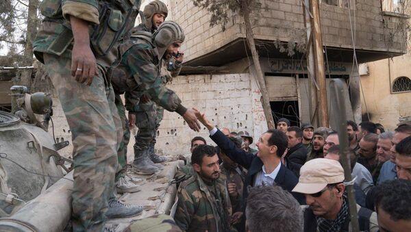 Assad ha fatto una girata per al-Nashabia liberata dai terroristi - Sputnik Italia