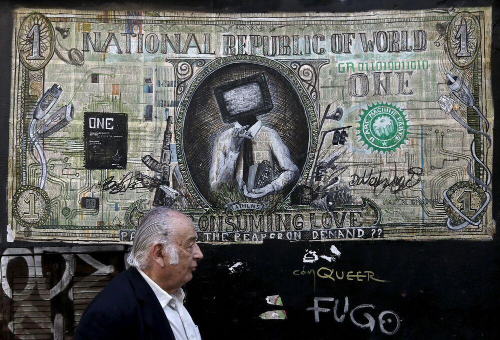 Graffiti sulle case ad Atene.