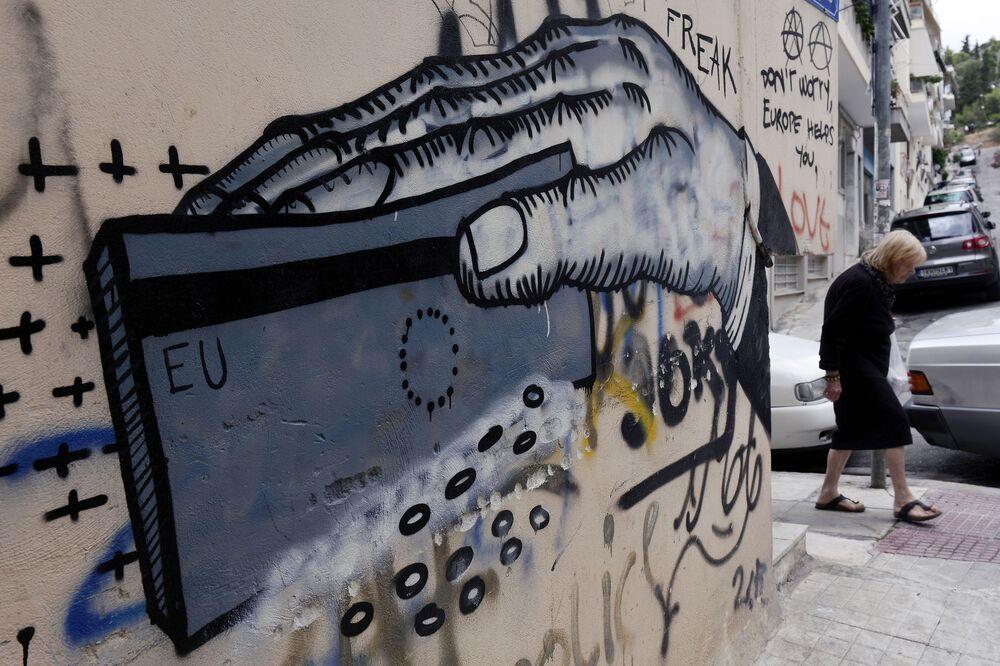 Graffiti su un muro ad Atene.