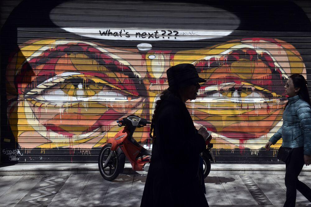 Graffiti lungo le strade di Atene.