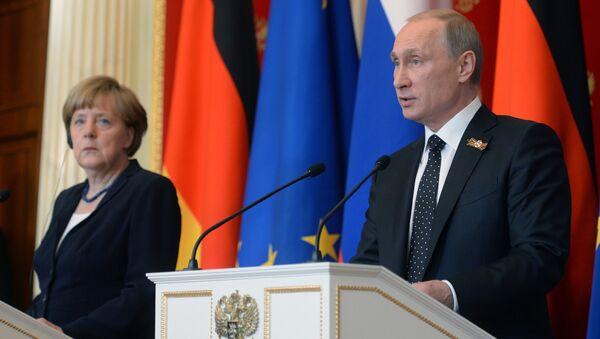 Angela Merkel e Vladimir Putin - Sputnik Italia