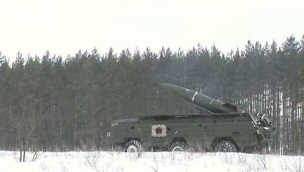 Le esercitazioni del nucleo NBCR dell'esercito russo - Sputnik Italia