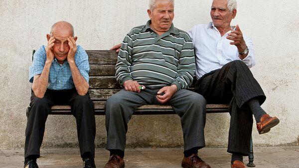 Italiani sulla Piazza del Popolo, Specchia, Italia del Sud - Sputnik Italia