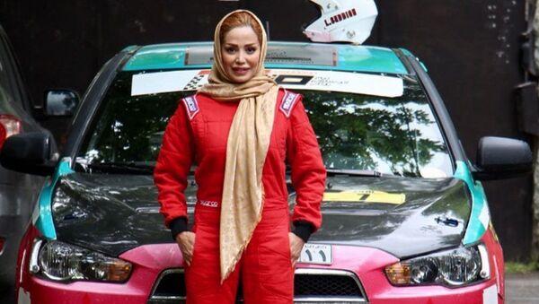 La pilota iraniana Laleh Seddigh - Sputnik Italia