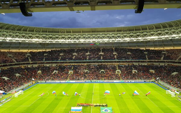 Lo stadio Luzhniki di Mosca prima del fischio d'inizio dell'amichevole Russia-Brasile - Sputnik Italia