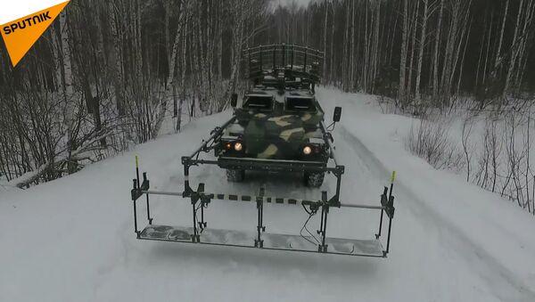 Le esercitazioni su vasta scala delle Forze missilistiche strategiche russe nella regione di Sverdlovsk a cui hanno partecipato più di 3mila militari e 300 mezzi. - Sputnik Italia