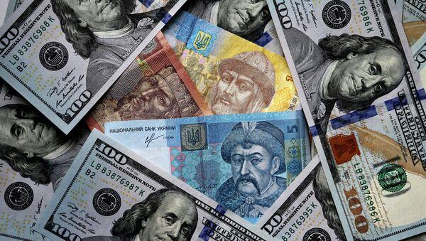 US and Ukrainian notes and coins - Sputnik Italia