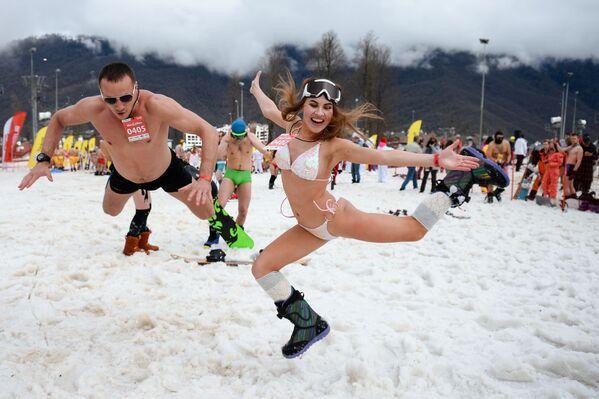 Dalle piste alle spiagge, tutti in bikini a Sochi - Sputnik Italia