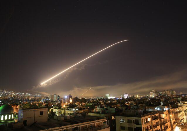 Raid potenze occidentali in Siria