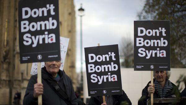 Dimostrazione contro il conflitto in Siria - Sputnik Italia