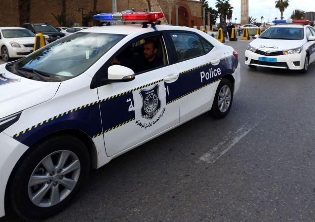 Tutti e dieci i diplomatici tunisini rapiti nei giorni scorsi nel consolato di Tripoli sono stati rimpatriati e stanno bene.