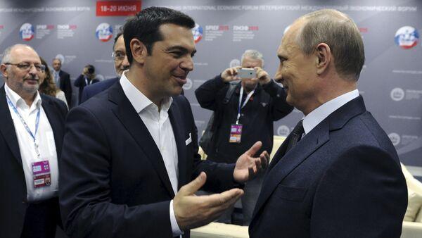 Premier greco Alexis Tsipras con il presidente greco Vladimir Putin - Sputnik Italia