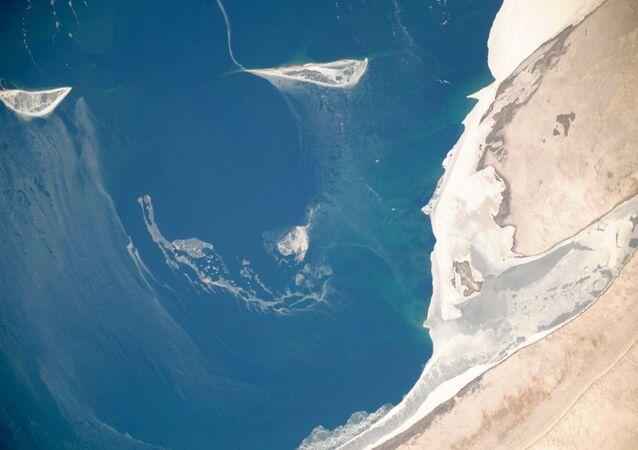 La vista sul lago di Aral dallo spazio