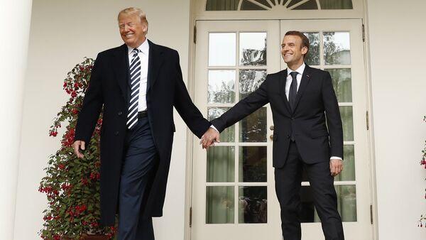 Donald Trump ed Emmanuel Macron - Sputnik Italia