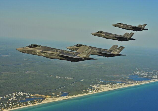 I caccia F-35 Lightning II