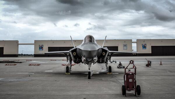 Il caccia USA F-35 Lightning II - Sputnik Italia