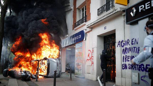 Disordini del primo maggio a Parigi - Sputnik Italia