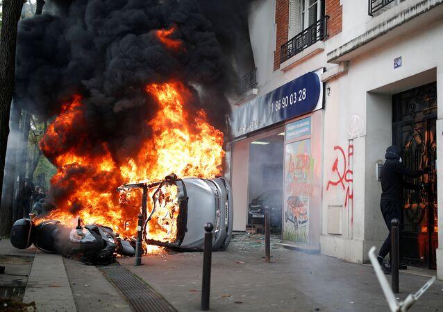 Disordini del primo maggio a Parigi