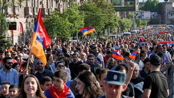 Le manifestazioni a Erevan, Armenia - Sputnik Italia