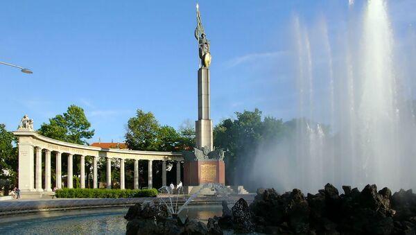 Monumento ai liberatori sovietici a Vienna - Sputnik Italia