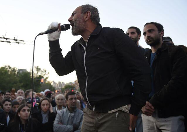 Il leader dell'opposizione armena Nikol Pashinyan