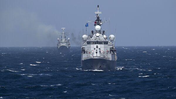 Navi da guerra NATO nel mar Nero - Sputnik Italia