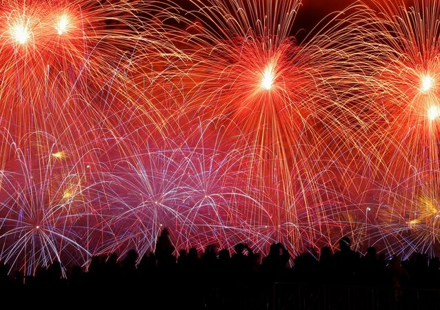 I fuochi d'artificio per il Giorno della Vittoria a Mosca