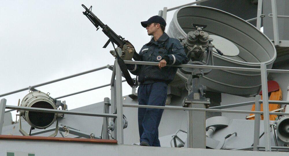 Militare della marina USA a bordo del cacciatorpediniere Laboon