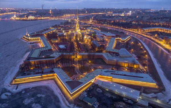 Veduta aerea della Fortezza dei Santi Pietro e Paolo a San Pietroburgo - Sputnik Italia