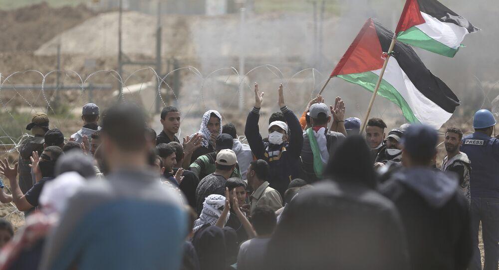 Palestinesi in protesta