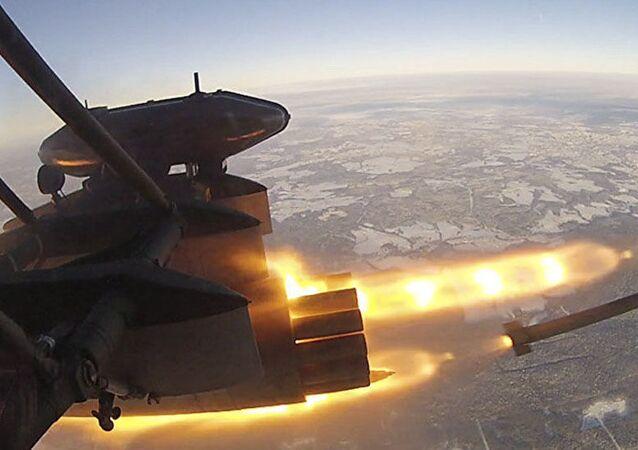 Il lancio del missile S-8OFP