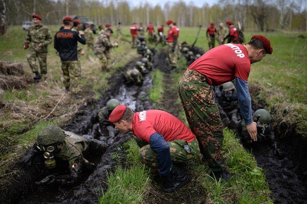 Le prove dei militari nella regione di Novosibirsk. - Sputnik Italia