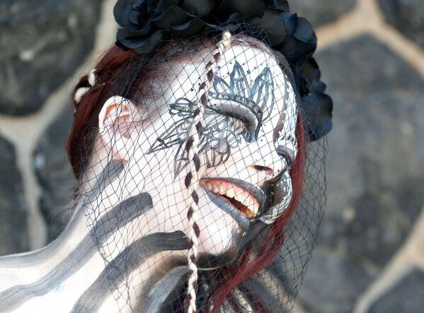 Una partecipante alla macherata per la Giornata del Giappone a Dusseldorf. - Sputnik Italia