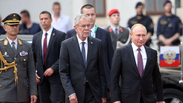 Vladimir Putin e Alexander Van der Bellen - Sputnik Italia
