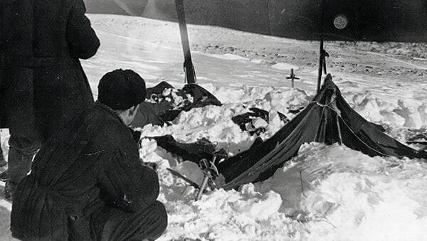 Вид на найденную палатку группы, погибшей в районе перевала Дятлова - Sputnik Italia