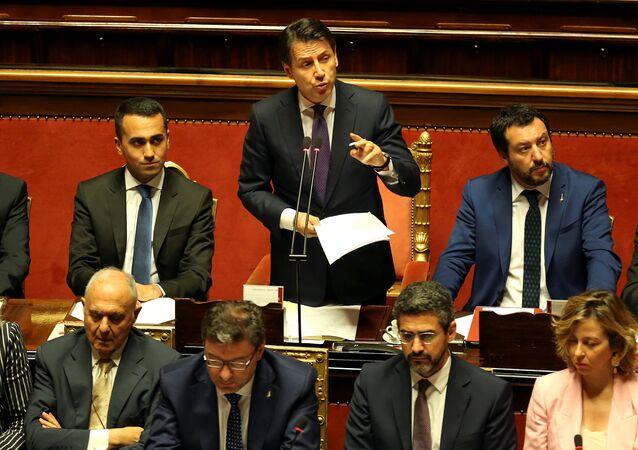 Il premier dell'Italia Giuseppe Conte parla al Senato