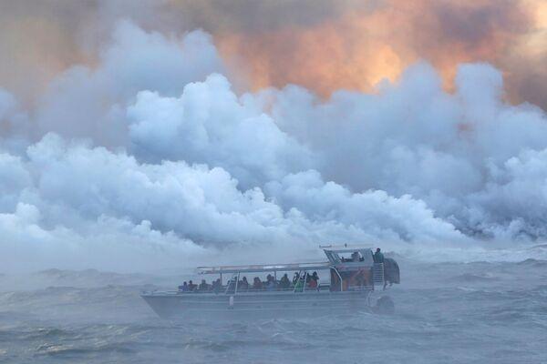 Le impressionanti colate di lava del vulcano Kilauea alle Hawaii. - Sputnik Italia